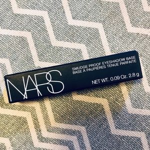 NARS Smudge Proof Eyeshadow Base Mini